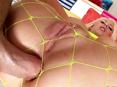 Candy Manson having oral fun with hot bang buddy Mike Adriano after she takes it in her back yard