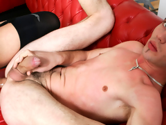 Hawt shemale likes to bang boyz and get sucked